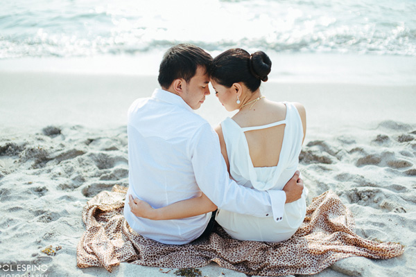Frolic in the beach – Denrey & Glyn Engagement Session – Anawangin Zambales